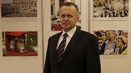 Musimy bronić chrześcijańskich korzeni  Artykuł opublikowany na stronie: www.naszdziennik.pl